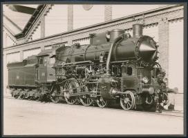 cca 1930-1940 A Magyar Királyi Államvasutak mozdonya, fotó, albumlapra ragasztva, 12×17 cm / locomitive, vintage photo