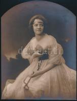cca 1928 Rozgonyi budapesti műterméből egy romantikus kompozíció, hidegpecséttel jelzett, 22x17 cm