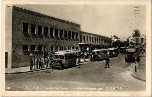 Tel Aviv, Central Bus station, autobuses. Hebrew text