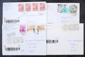 Gépi öntapadós bélyeggel bérmentesített modern levelek közte néhány vegyes bérmentesítésű is, dobozban