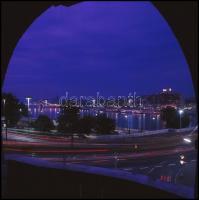 cca 1988 Budapesti épületek, városképek, 13 db professzionális minőségű, vintage diapozitív felvétel, amelyek szabadon felhasználhatók, 6x6 cm és 6x9 cm között