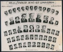1954 Budapest, XIX. ker., a Landler Jenő Ált. Gimnázium tanárai és diákjai, kistabló nevesített portréképekkel, 17x20,5 cm