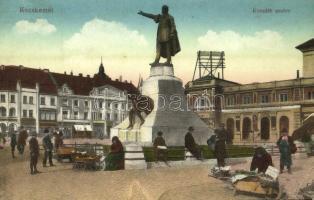 Kecskemét, Kossuth szobor, piac árusokkal, Fuchs Samu áruháza, üzletek (Rb)