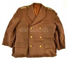 Magyar Néphadsereg ezredesi kabát, a galléron hiánnyal.