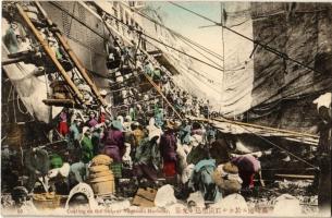 Nagasaki, Coaling on the ship at the harbour