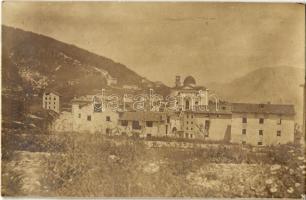 1918 Enego (Sette Comuni, Hétközség fennsíkja, Cimbrian), a kolostor és a város romjai az első világháborús pusztítások után / WWI ruins of the city and cathedral. photo