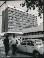 1968 Dunaújváros, ABC Áruház, Novotta Ferenc fotója, 22,5×17,5 cm