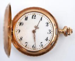 Duplafedeles 14 K arany, női zsebóra. Vésett tokkal, figurális díszítéssel, üveg nélkül de szép. működő állapotban, óratartó dobozzal / 14 C womens golden pocket watch in nice condition d:30 mm, 20,8 g