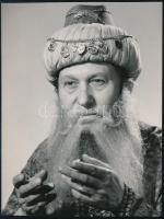 1973 Bessenyei Ferenc (1919-2004) Gül Baba szerepében, feliratozott sajtófotó, 13×10 cm
