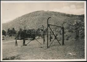 1929. május 9. Kinszki Imre (1901-1945) budapesti fotóművész jelzés nélküli vintage alkotása, a szerző által feliratozva (Hármashatárhegy), ez a kép a szerző 174. számozott fényképe, 6x8,5 cm