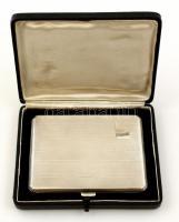 cca 1920 Angol ezüst(Ag) cigarettatárca díszdobozban. Hibátlan, szép állapotú Birmingham, Joseph Gloster Ltd. jelzett. 12x9 cm / Silver cigarette holder, bruttó 164,2 g