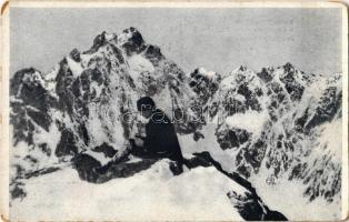 Tátra, Magas Tátra, Vysoké Tatry; Magas Tátra télen. A Bibircs-csoport az Ottó-csúcsról. Dr. Hruby Ede felvétele / Bradavica, Dvojitá veza / High Tatras in winter, mountain peaks (kopott sarkak / worn corners)