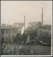 1928. november 27. Kinszki Imre (1901-1945) budapesti fotóművész hagyatékából, jelzés nélküli, vintage fotó, a szerző által feliratozva, ez az általa a 50. számon nyilvántartott felvétele, 6,8x6,5 cm