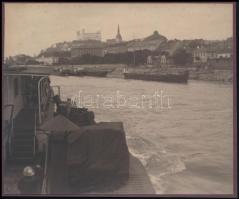 cca 1910 Pozsony, vár, kartonra ragasztott fotó, 13,5×16,5 cm / Bratislava, castle