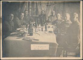 cca 1916 Kragujevac, tiszti étkezde, élelmezési raktár, hátoldalon feliratozott fotó, 13×17,5 cm