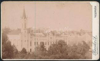 cca 1900 Veszprém, Angolkisasszonyok zárdája, keményhátú fotó Becske A. műterméből, 6,5×10,5 cm