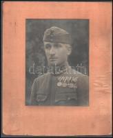 cca 1920 Őrmester kitüntetésekkel, nagyméretű fotó kartonon, paszpartuban, 23×17 cm