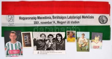7 db sporttal kapcsolatos fotó, nyomtatvány, zászló, stb.