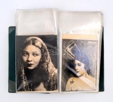cca 1940 Előadóművészek, énekesek fényképei összesen 21 db, közöttük több dedikált, berakóban
