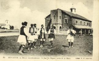 1917 Bitola, Monastir; Danses macédonniennes, le Jour de Paques, sortie de la Messe / traditional Easter dance, Macedonian folklore
