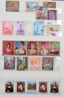 Szép festmény motívum gyűjtemény sok postatisztával, benn pl. magyar Mona Lisa kisív, 10 lapos nagyalakú berakóban