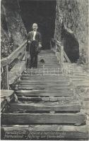 Herkulesfürdő, Baile Herculane; feljárat a rablóbarlangba / Aufstieg zur Räuberhöhle / stairway to the cave