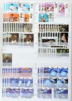 Kuba 1873-1994 4 db vastag rendező berakó több ezer bélyeggel, közte teljes sorok (karton dobozban)