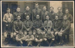 1935 A 239. sz. Munkácsy cserkész csapat csoportképe, Róna Károly műterméből, 8,5x13,5 cm