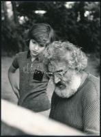 cca 1977 Ujhelyi István (1936-2003) budapesti fotóművész hagyatékából, aláírt vintage fotóművészeti alkotás, 24,2x18 cm