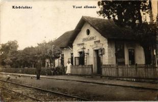 Körösladány, vasútállomás, I. II. oszt. váróterem, állomás elöljáró, Bak sör reklám, vasutas. photo (r)