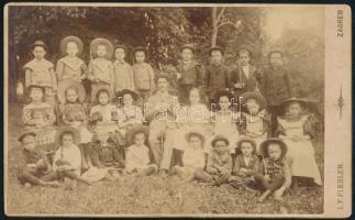 cca 1910 Zagreb, Fiedler F. műtermében készült, keményhátú, vintage fotó, 21,2x13 cm / cca 1910, vintage photo from the studio I. F. Fiedler in Zagreb