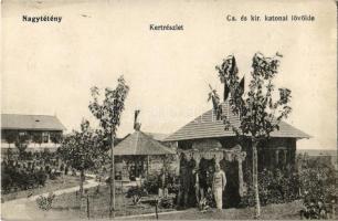 1914 Budapest XXII. Nagytétény, Cs. és kir. katonai lövölde, kert, kerekeskút, katonák. Weigand István kiadása 2794.