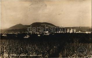 1926 Eger, Kilátás a városra a Hajdúhegyről, szőlőhegy.Egri Keresztény Sajtószövetkezet tulajdona