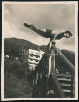 cca 1939 Csík Ferenc (1894-1984) soproni fotóművész hagyatékából 1 db vintage fotó, 5,8x4,5 cm
