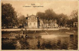 Győr, Csónakázó Egylet pavilonja, csónakok