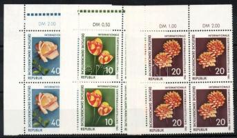 1961 Rózsák sor négyestömbökben Mi 854-856