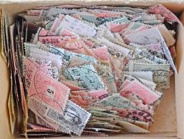 Néhány száz Krajcáros bélyeg régi hagyatékból kutatáshoz, kis dobozban ömlesztve