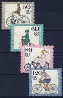 1985 Ifjúság: régi kerékpárok 735-738