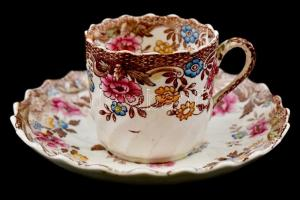 Kopott jelzéssel: antik cseh porcelán mokkás csésze, aljjal. Kézzel festett. Kopásokkal