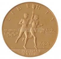 Amerikai Egyesült Államok 1984W 10$ Au XXIII. Olimpia eredeti tokban (16,76g/0.900) T:PP fo. USA 1984W 10 Dollar Au XXIIIth Olimpiad in original case (16,76g/0.900) C:PP spotted