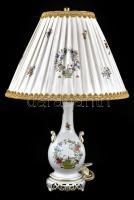 Herendi porcelán lámpatest eredeti ernyővel, körte nélkül, kézzel festett, jelzett, működik, apró kopással, m: 56 cm
