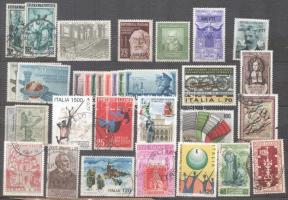 Olaszország kis gyűjtemény, benne sorok és önálló értékek + 98 db kivágás postai bélyegzéssel bélyegeken