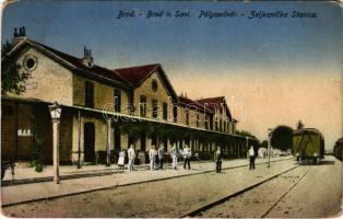 1918 Bród, Nagyrév, Slavonski Brod, Brod an der Save; pályaudvar, vasútállomás / Zeljeznicka Stanica / railway station (kopott sarkak / worn corners)