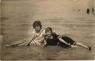 1924 Balatonlelle, lányok korabeli fürdőruhában. photo