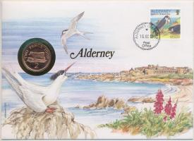 Guernsey 1999. 2p acél II. Erzsébet érmés Alderney borítékon bélyegzős bélyeggel, német nyelvű leírással T:1,1- patina Guernsey 1999. 2 Pence steel Elizabeth II in Alderney coin letter with stamp with description in German C:UNC,AU patina
