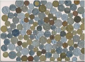 Vegyes magyar és külföldi fémpénz tétel ~470g-os súlyban, közte Franciaország 1950-1952. 10Fr - 50Fr Al-Br (3xklf) + Amerikai Egyesült Államok 1971. 1/2$ Cu-Ni Kennedy + Argentína 1979. 100P Al-Br Patagónia meghódítása + Mongólia 1970. 20M Cu-Ni T:vegyes ~470g mixed Hungarian and foreign coins within France 1950-1952. 10 Francs - 50 Francs Al-Br + USA 1971. 1/2 Dollar Cu-Ni Kennedy + Argentina 1979. 100 Pesos Al-Br Conquest of Patagonia + Mongolia 1970. 20 Möngö Cu-Ni C:mixed