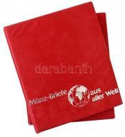 Münz Briefe aus aller Welt piros, plüssborítású, négygyűrűs album berakólapok nélkül, plüssborítású tokban, szép állapotban