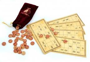 Régi lutri (lottó) játék fa szám kockákkal 1-90-ig