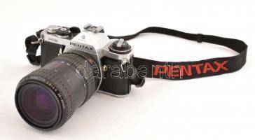 Pentax Me SLR fényképezőgép Takumar-A zoom 28-80mm f/3.5-4.5 működőképes, szép állapotban, eredeti nyakpánttal, elem nélkül / Vintage Pentax SLR film camera, in good working condition, with original strap, without battery