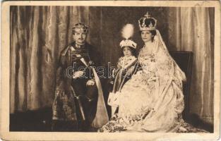 1917 IV. Károly, Zita és Ottó trónörökös. A Magyar Vörös-Kereszt Egylet kiadványa / Charles I of Austria, Zita and Otto